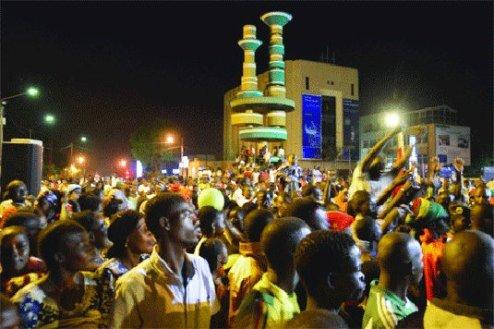 La foule en délire pour le retour des Étalons (crédit photo : Burkina24)