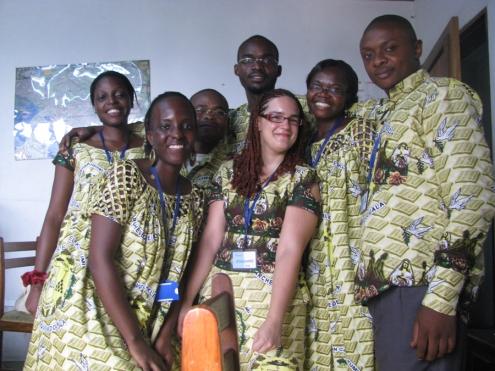 De beaux souvenirs : une partie de l'équipe de Radio Veritas le jour de l'installation du nouvel archevêque de Douala, durant laquelle on a fait des heures et des heures de direct!