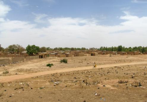 Des quartiers «non lotis », c'est-à-dire de développement spontané, sans les infrastructures de base.